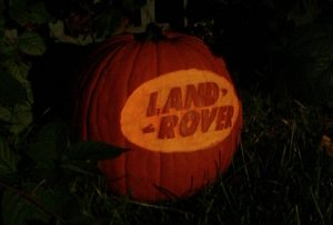 land-rover-pumpkin-590x400e